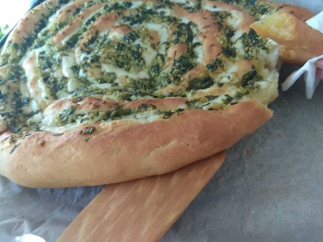 Pa amb Mozzarella, all i julivert cuit