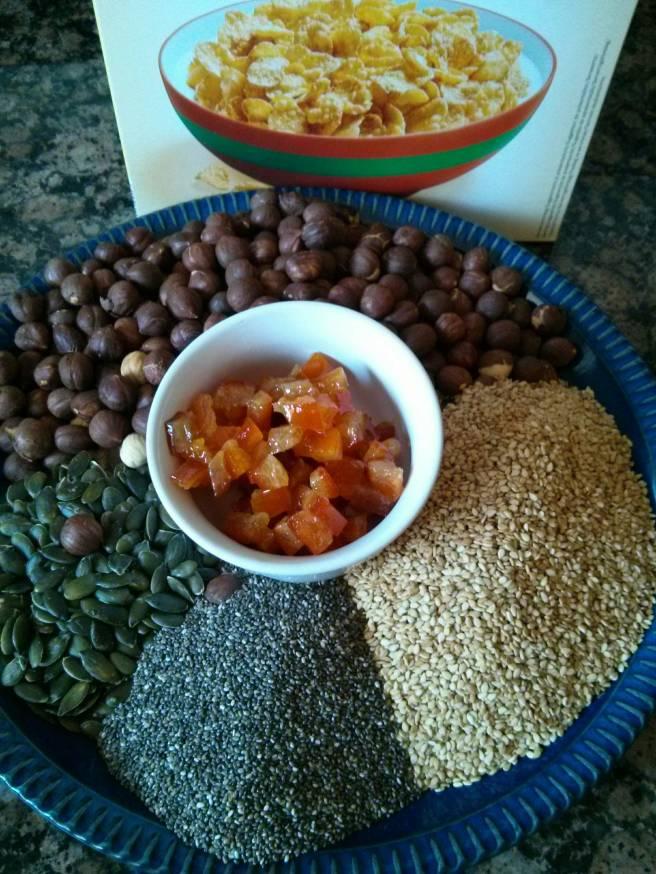 Barretes de llavors i avellanes ingredients