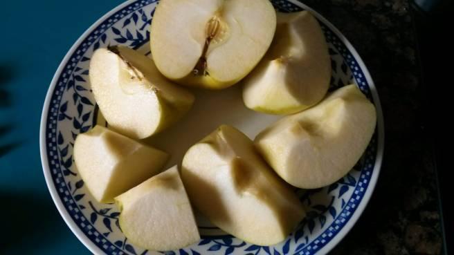 "Pastís de poma ""gluten free"", preparem les pomes"