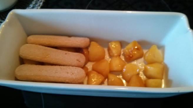 Disposant les pomes i les galetes